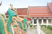 Dragon head statue in thai temple — ストック写真