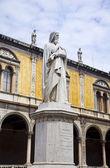 Statue of Dante Alighieri in Verona — Stock Photo