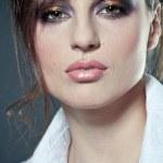 Gesicht einer sexy Junge Brünette Frau mit perfekten Haut — Stockfoto
