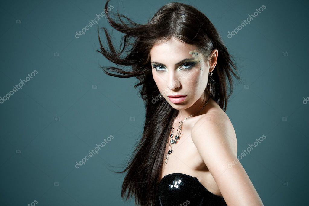 Closeup portrait of a gorgeous woman — Stock Photo #11895681