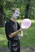 Mime and balloon — Stock Photo