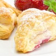 Puff pastry pockets with strawberry filling — ストック写真