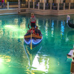 Gondolas at the Venetian Resort Hotel & Casino — Stock Photo