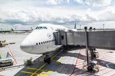 Lufthansa Flight ready to head to runway — Stock Photo
