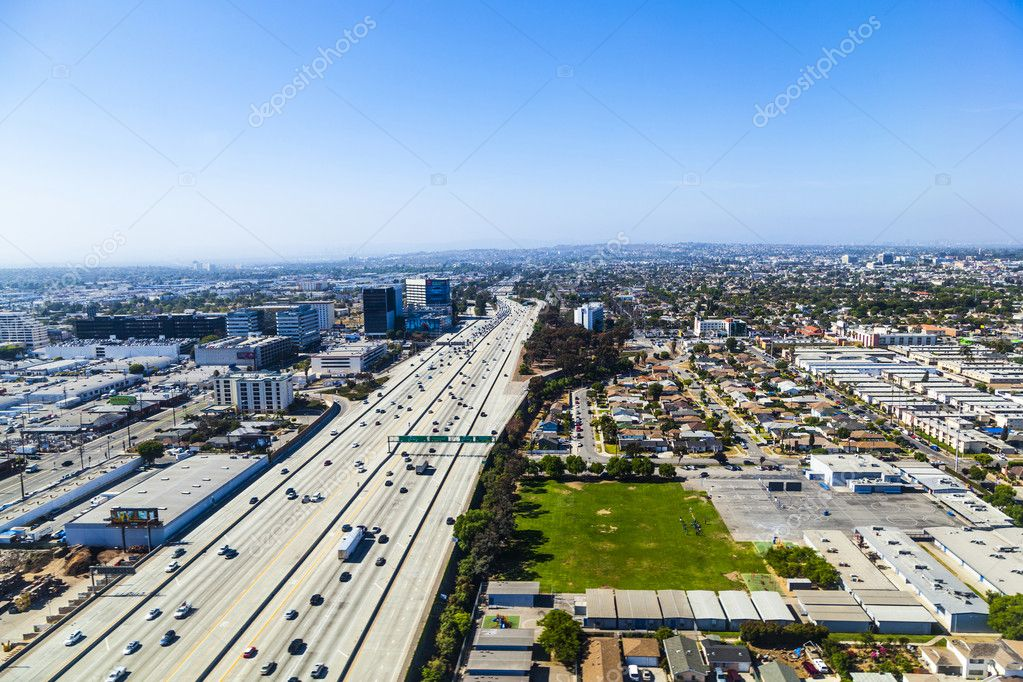 View to suburbs of Los Angeles by approaching Los Angeles Airport — Stock Photo #11478395