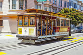 Famous Cable Car Bus near Fisherman's Wharf — Stok fotoğraf