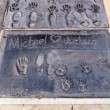 Michael Jacksons handprints in Hollywood Boulevard — Stock Photo