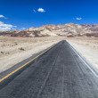 Artists drive road in Death Valley — Stock Photo