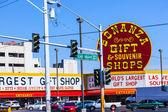 Traffic light of Las Vegas Boulevard and Bonanza Souvenir Sign — Stock Photo