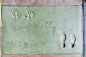 Gene Kellys handprints in Hollywood Boulevard in the concrete of — Stock Photo