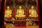 Golden Buddha in Jogyesa temple (Seoul) — Stock Photo