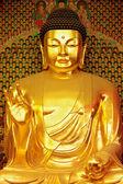 Statue of gold Buddha — Stock Photo