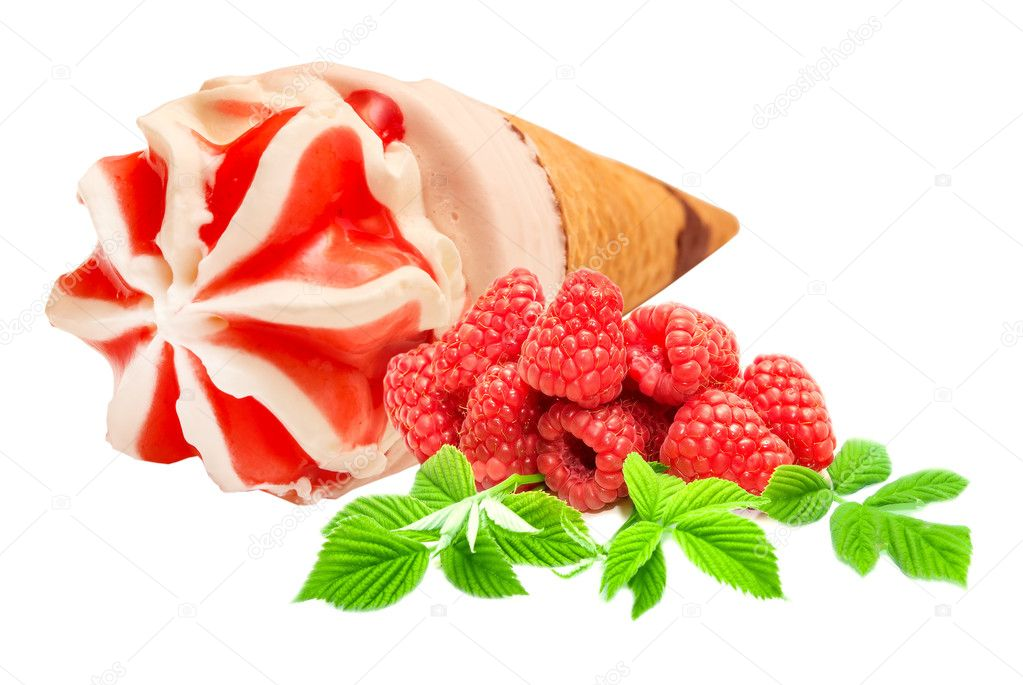 Ice cream isolated on white background with raspberry — Stock Photo #11923598