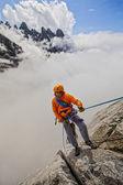 Climber rappels. — Stock Photo