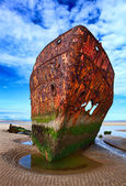 Deserted rusty ship — Stock Photo