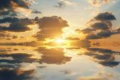 Dramatische zonsondergang — Stockfoto