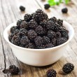 Blackberries in a white bowl — ストック写真