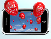 Jag älskar du ballonger från en mobil smartphone — Stockfoto