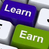 Aprender e ganhar as chaves de computador mostrando a trabalhar ou estudar — Foto Stock