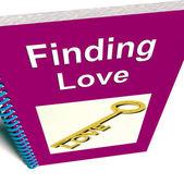 Znalezienie miłości książka pokazuje relacje porady — Zdjęcie stockowe