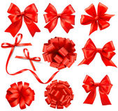 Set of card note with red gift bows with ribbons. Vector — Stock Vector