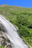 Cachoeira do ricardo. montanhas de dombay. o caucasiano setentrional — Foto Stock