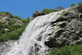 Alibek cascata. dombay montagne. il caucaso settentrionale — Foto Stock