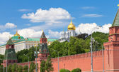 Wall and Cathedrals of Moscow Kremlin — Стоковое фото