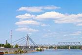 Cloudscape underi Railroad Bridge — Stock Photo
