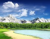 Landscape with lake and mountains — Stock Photo