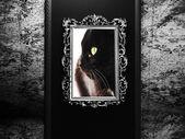Starý rám na tmavou zeď — Stock fotografie