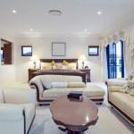 Spacious master bedroom — Stock Photo #10842468