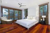 Luxurious bedroom — Stock Photo