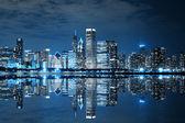 芝加哥市中心在晚上 — 图库照片