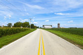American Countryside Road With Farm Buildings — Stock fotografie