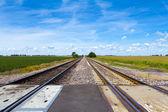曇り空と田舎の鉄道 — ストック写真