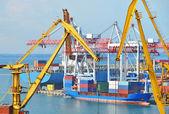 貨物クレーン ・船 — ストック写真