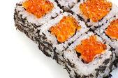 Traditionelle japanische sushi auf weißem hintergrund — Stockfoto