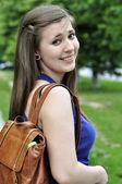 Colegiala con mochila — Foto de Stock