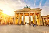 Puerta de brandeburgo al atardecer — Foto de Stock