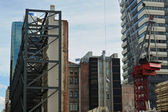Facade support and crane — Stock Photo
