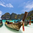 Boats on white sand beach — Stock Photo