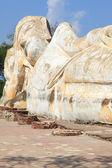Obří ležící buddha socha zřícenina — Stock fotografie