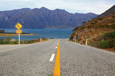 Perspective of highway road freeway to lake Hawea in Wanaka New — Stock Photo