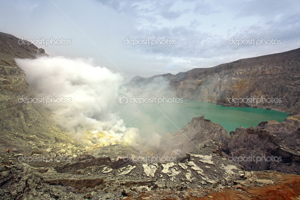 Crater of volcano Khava Ijen, Sulfur mine in Java Island Indonesia. — Stock Photo #11163459
