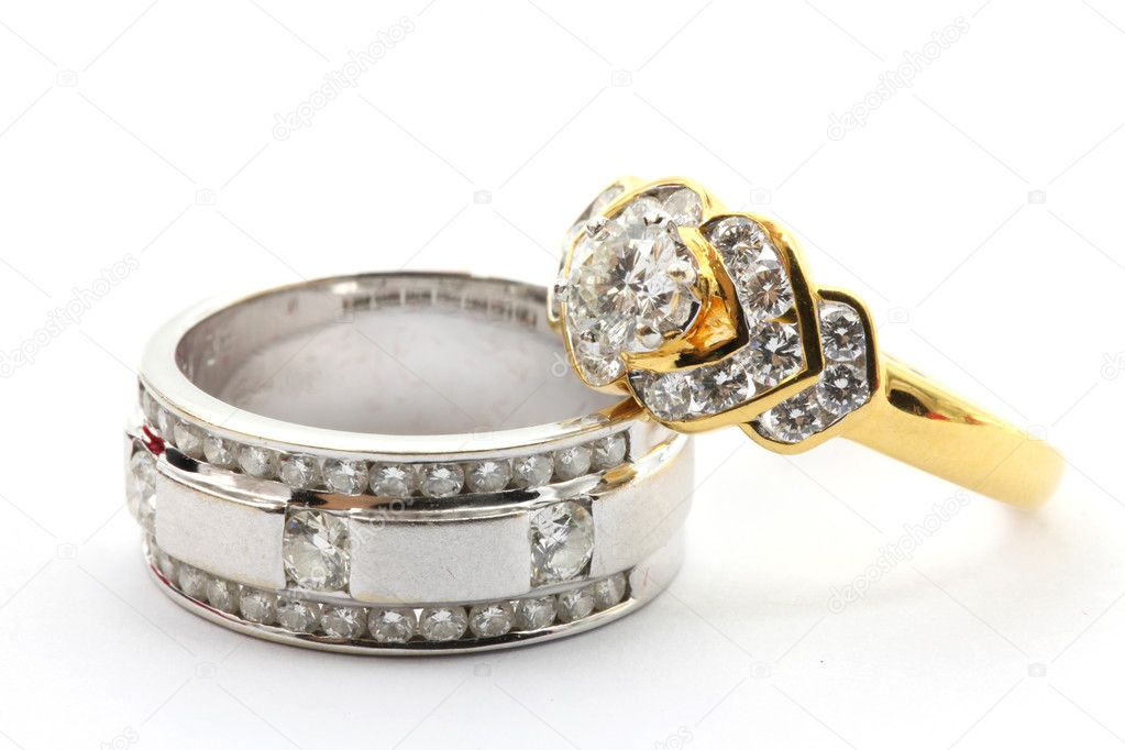 Couples Luxury Diamond Wedding Ring for Together Love in Valentine Holiday Concept — Stock Photo #11363976