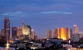 Бангкок центр города в сумерках — Стоковое фото