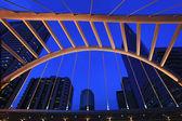 Architektura ochlupení skywalk v bangkoku downtown — Stock fotografie