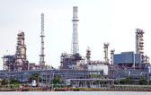 Usine de raffinage de pétrole — Photo