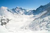 Bergmassivet jungfrau i schweiz — Stockfoto